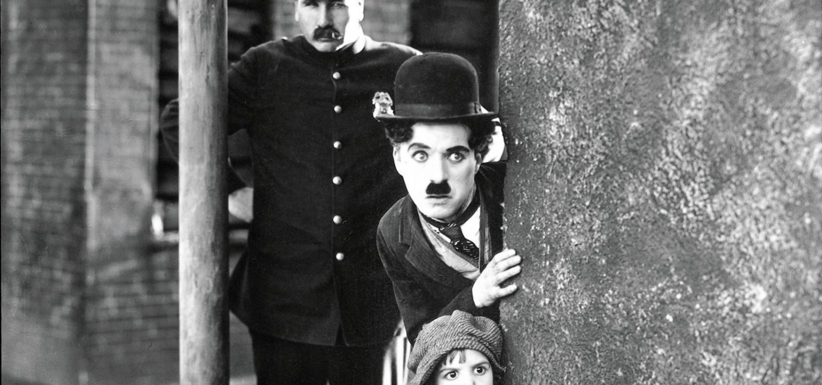 The Kid st 2 jpg sd high Charlie Chaplin Copyright Bubbles Inc S A THE KID Copyright Roy Export S A S 61532a8681ee8